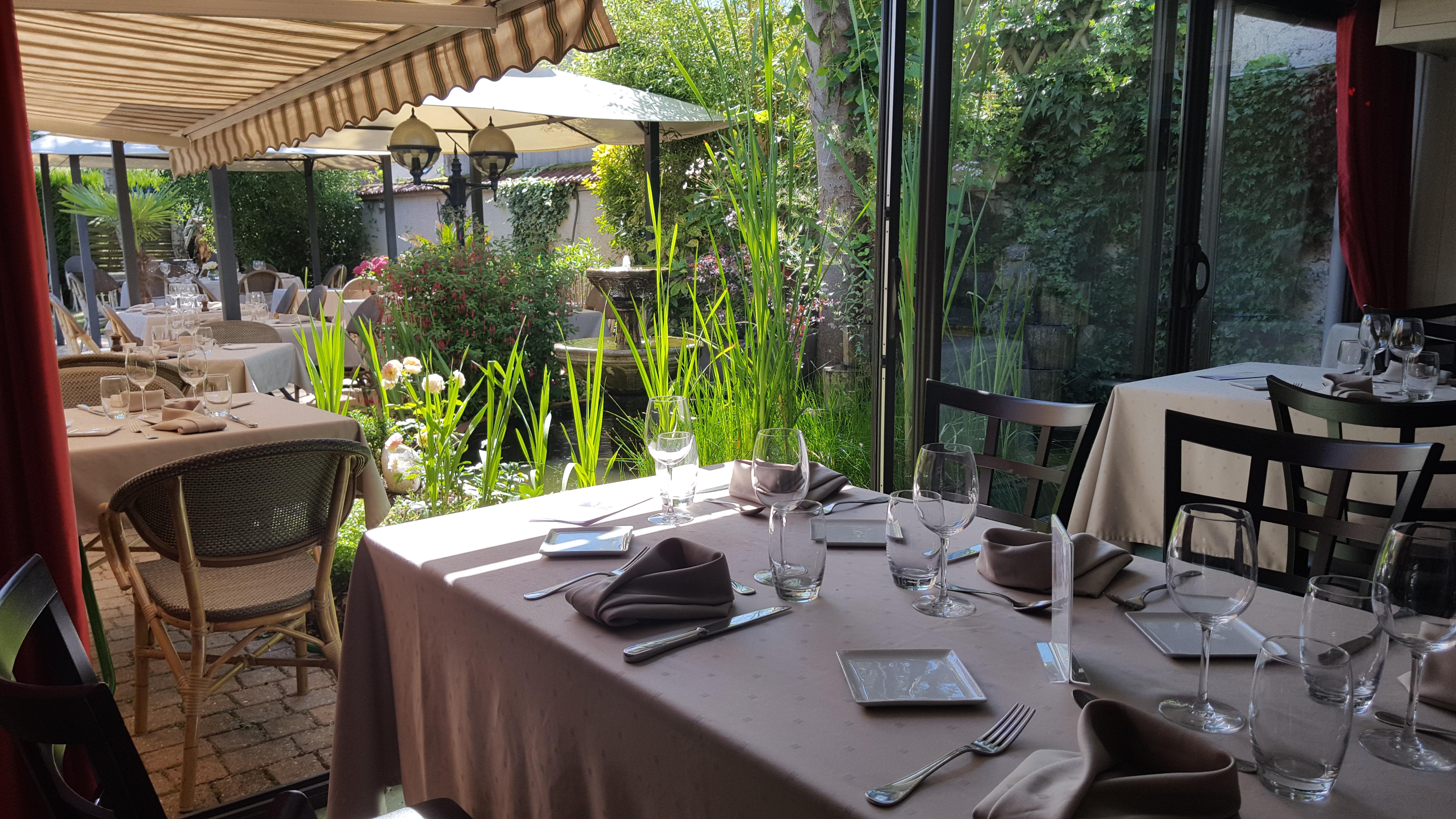 restaurant-saint-nicolas-salle-sur-terrasse