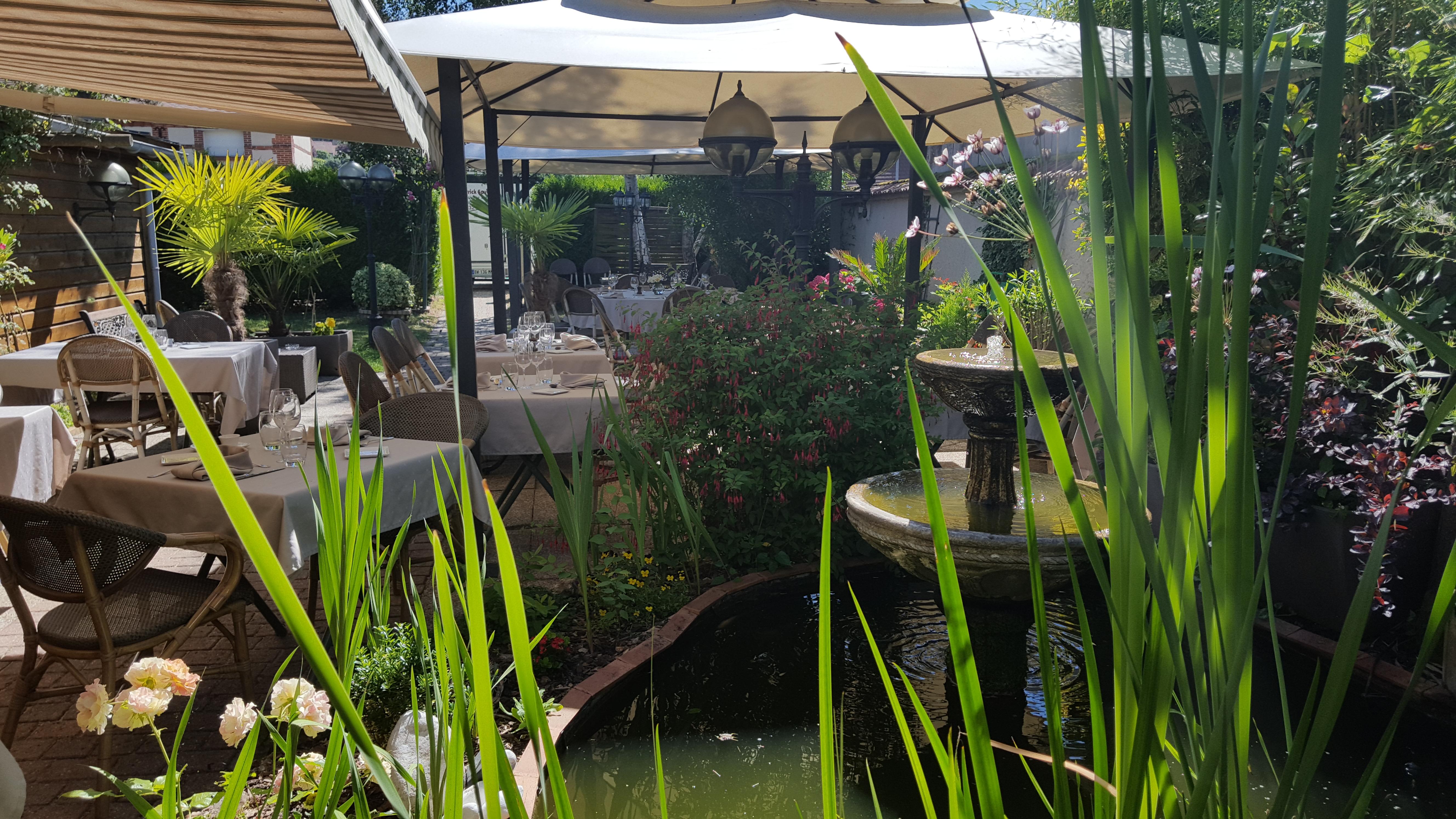 restaurant-saint-nicolas-terrasse-fontaine